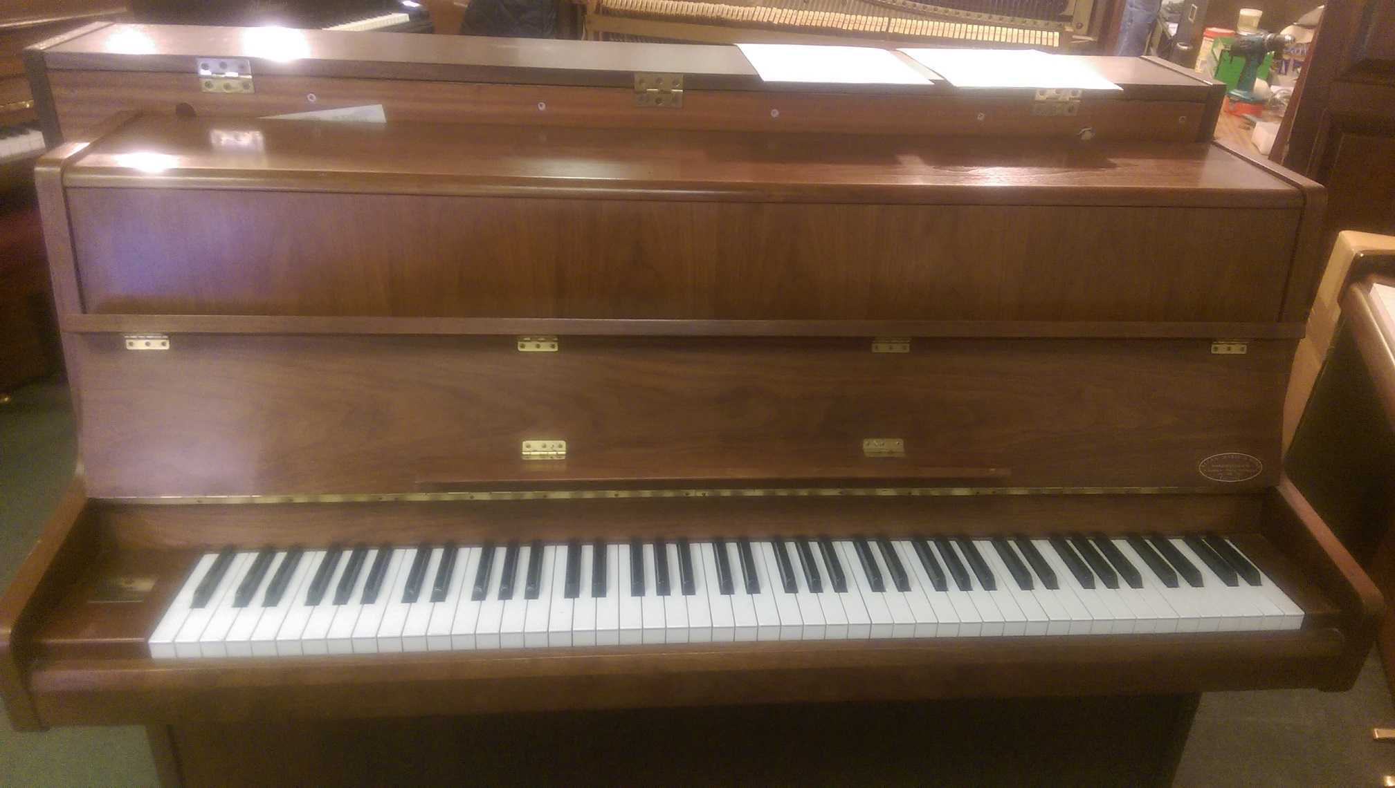 Reid Sohn Upright Piano S-1085